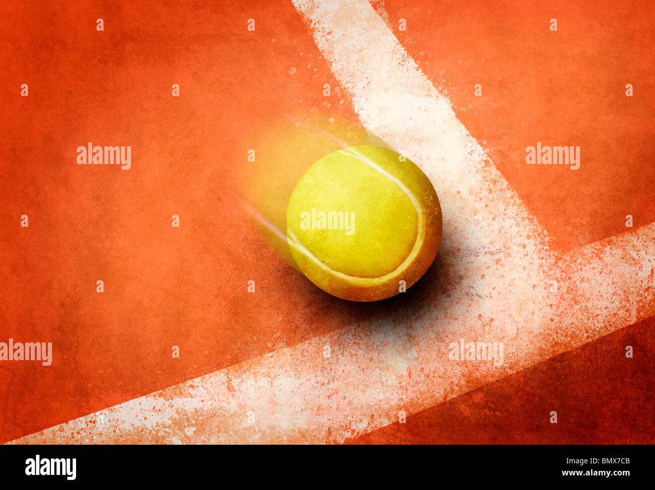 Balle de tennis à l'angle de la ligne de champ au sol rouge Banque D'Images