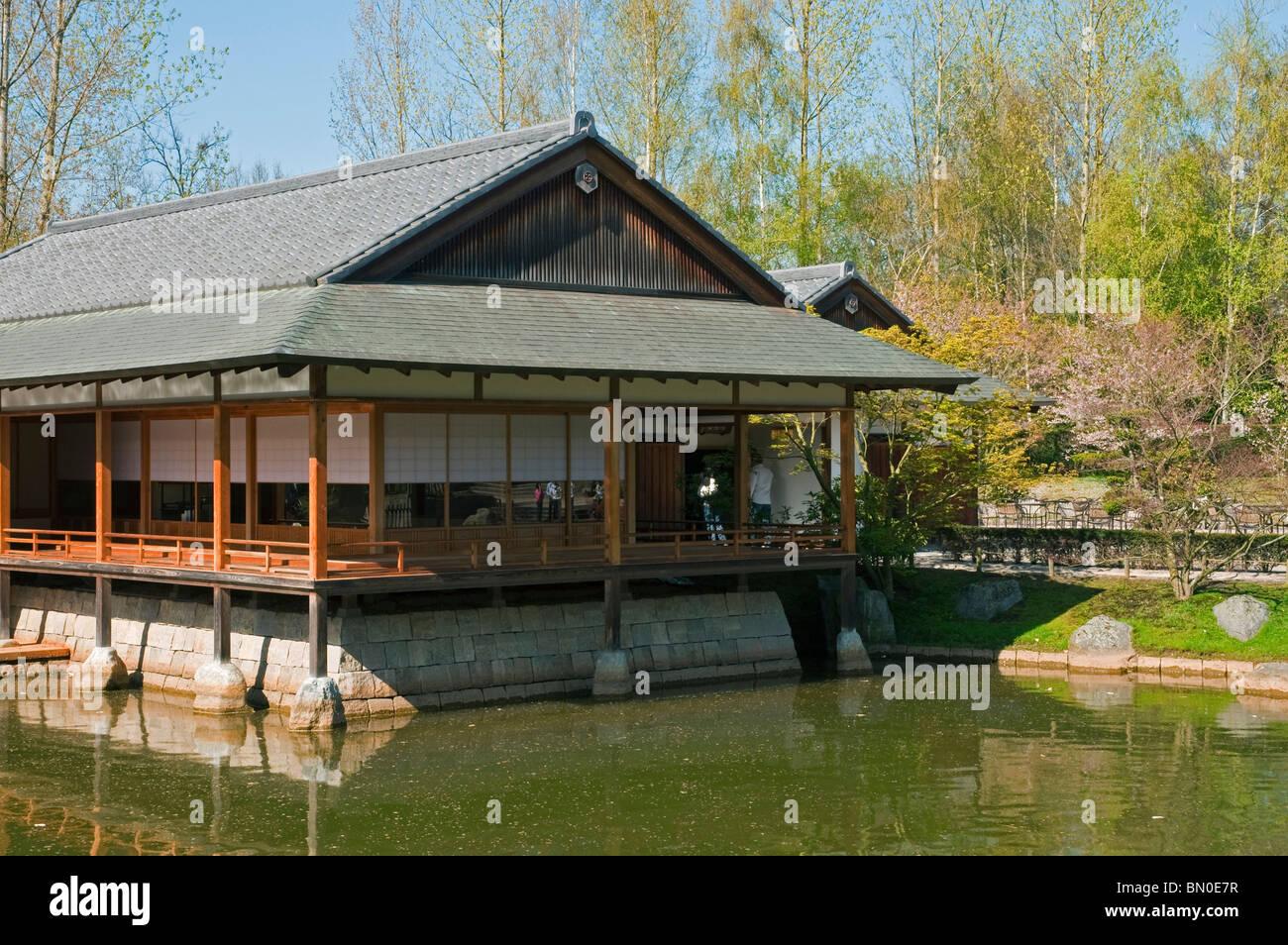 Maison De The Japonaise A L Etang Dans Le Jardin Japonais Hasselt