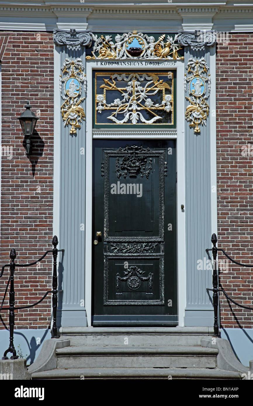 Koopmanshuys vieille maison marchande néerlandaise à Zaanse Schans Les Pays-Bas Hollande du Nord Europe Banque D'Images