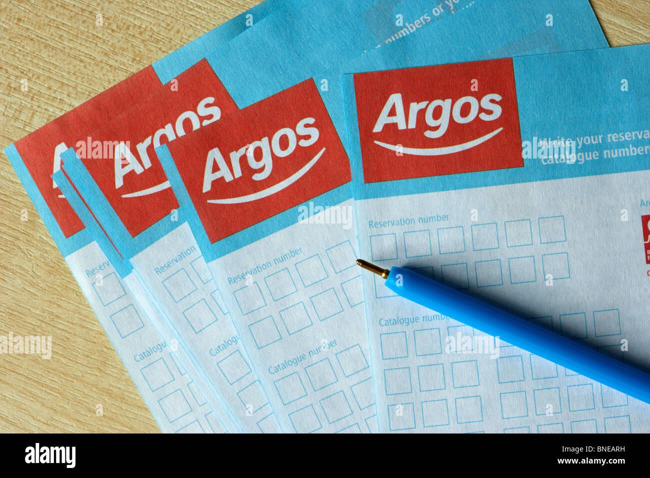 Réservation d'Argos ou numéro de catalogue commander des formulaires avec stylet Photo Stock