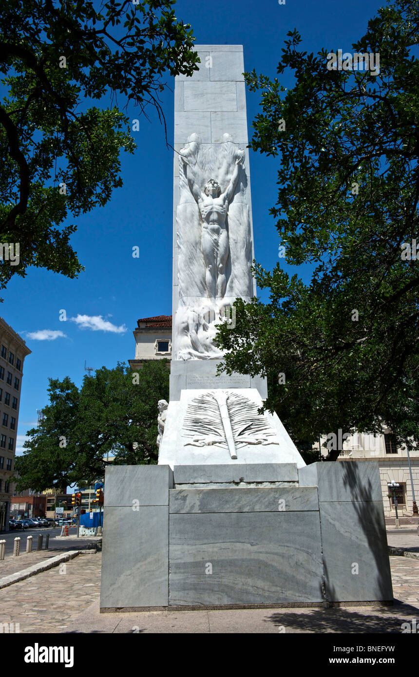 Avis de mémorial aux héros de l'indépendance du Texas en face du Alamo Plaza, San Antonio, Texas, USA Banque D'Images