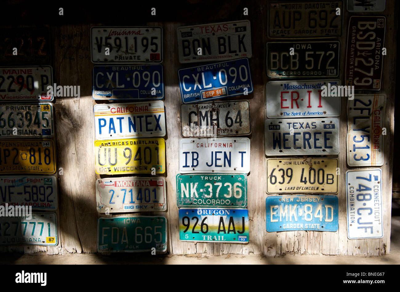 Collection de plaques de Luckenbach, Hill Country, Texas, États-Unis Banque D'Images