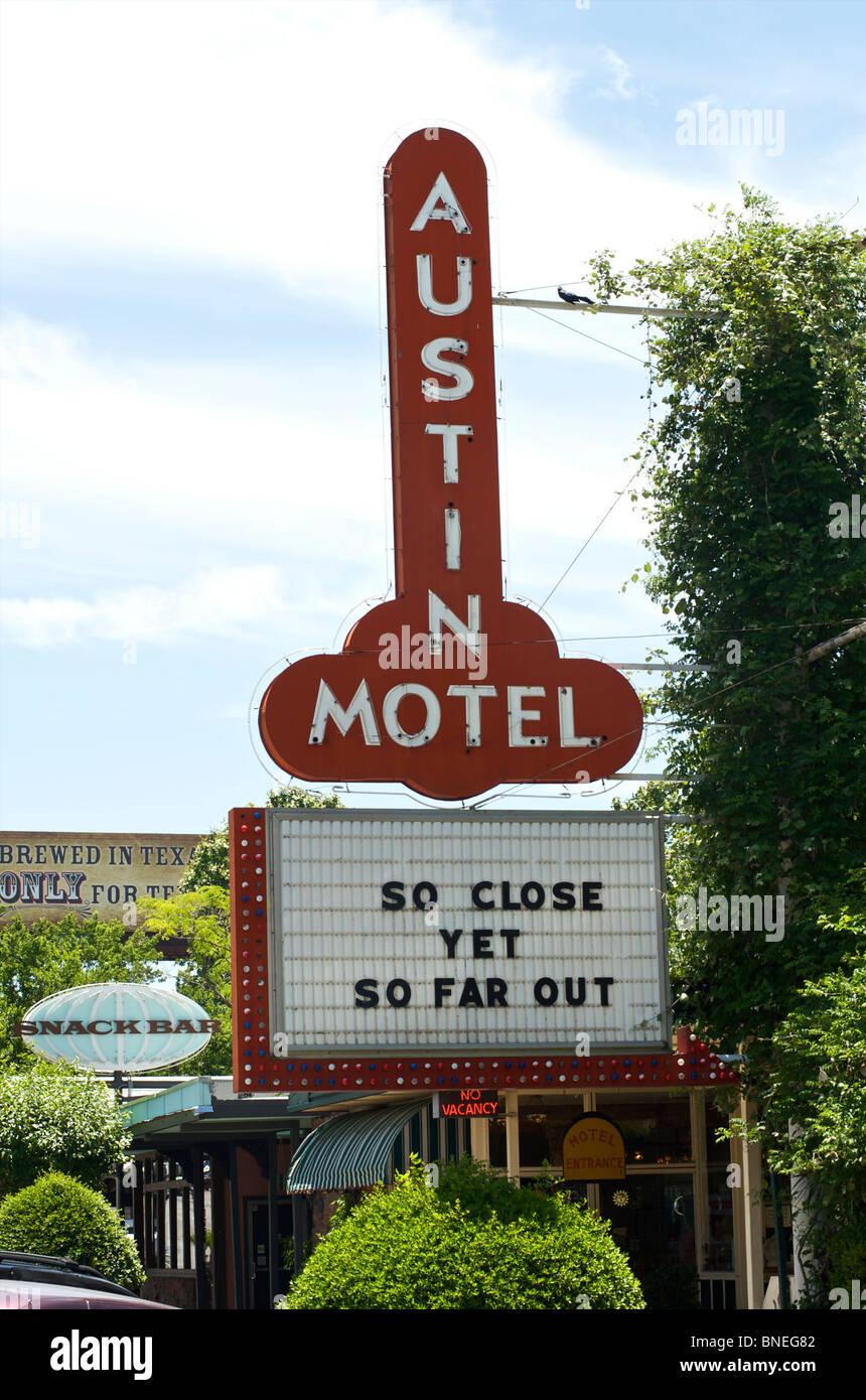 Célèbre motel Austin, si proche et pourtant si loin à Austin, Texas, États-Unis Banque D'Images