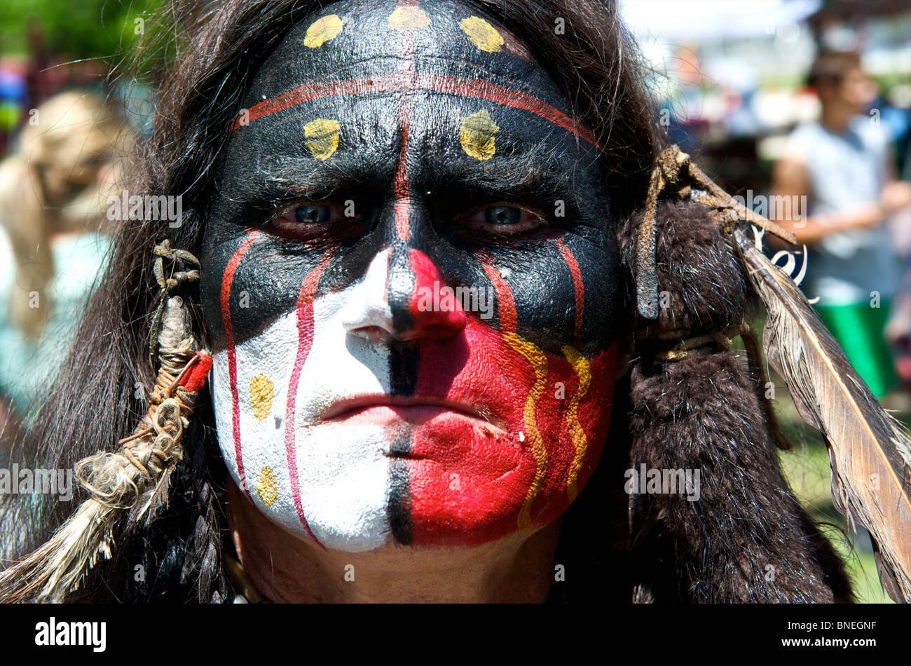 Portrait of Native American en couleurs de guerre au Texas,USA Banque D'Images