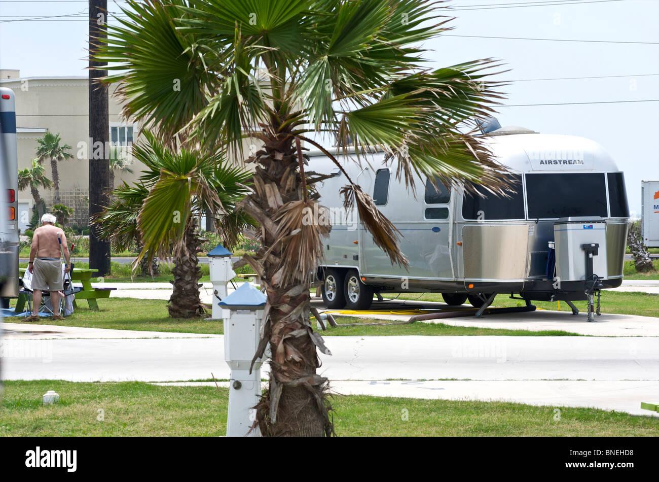 Camping-Avec RV camping-car au camping de camping camping de Galveston, Texas, États-Unis Banque D'Images