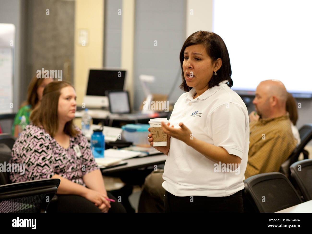 Au cours des entretiens d'enseignants session de perfectionnement du corps professoral au Manor New Tech High Photo Stock