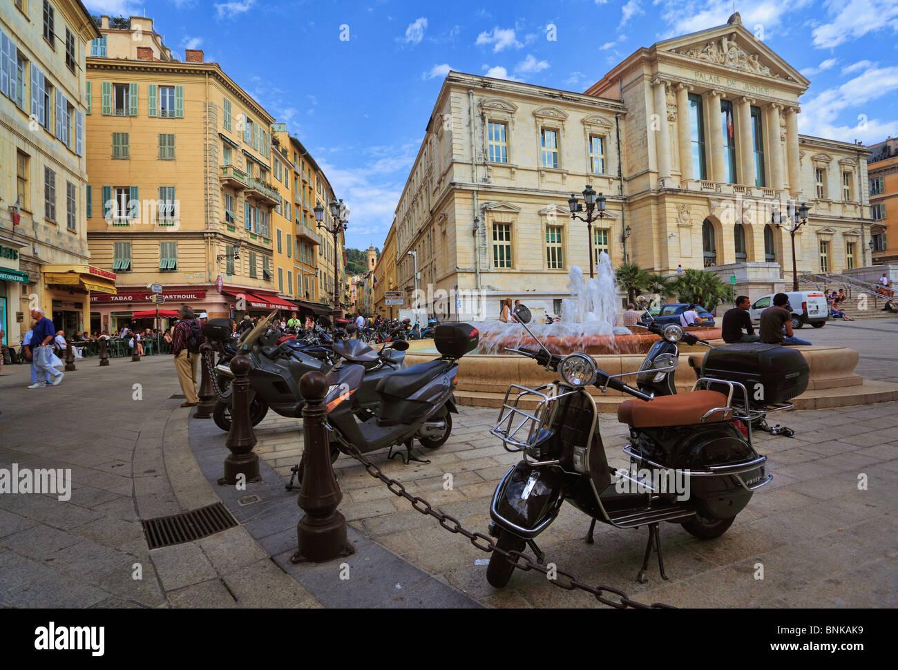 Scène de rue au centre-ville de Nice sur la côte d'Azur (Côte d'Azur) Photo Stock
