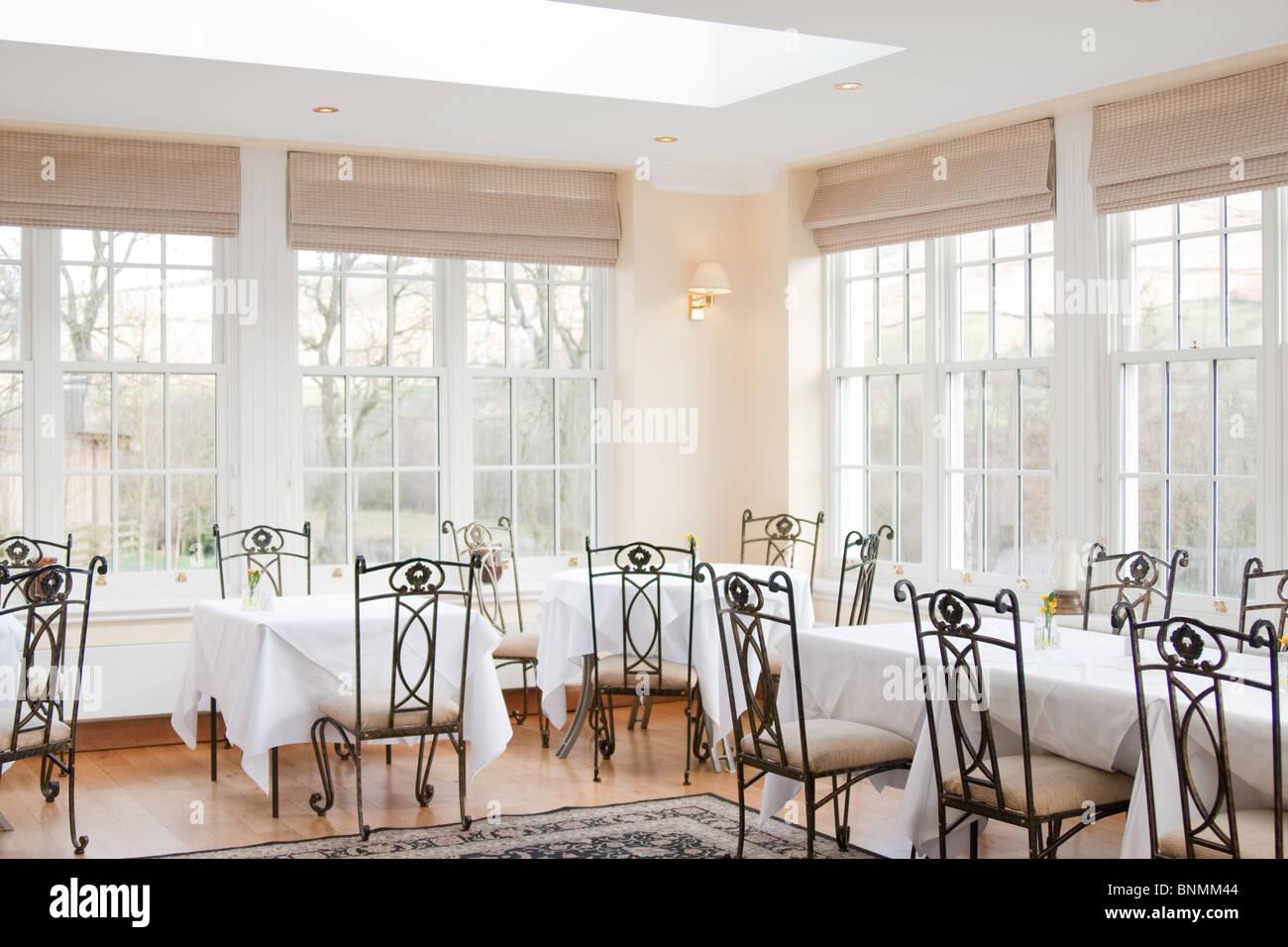 coin chambre, salle de mariage, de chaises en fer forgé banque d