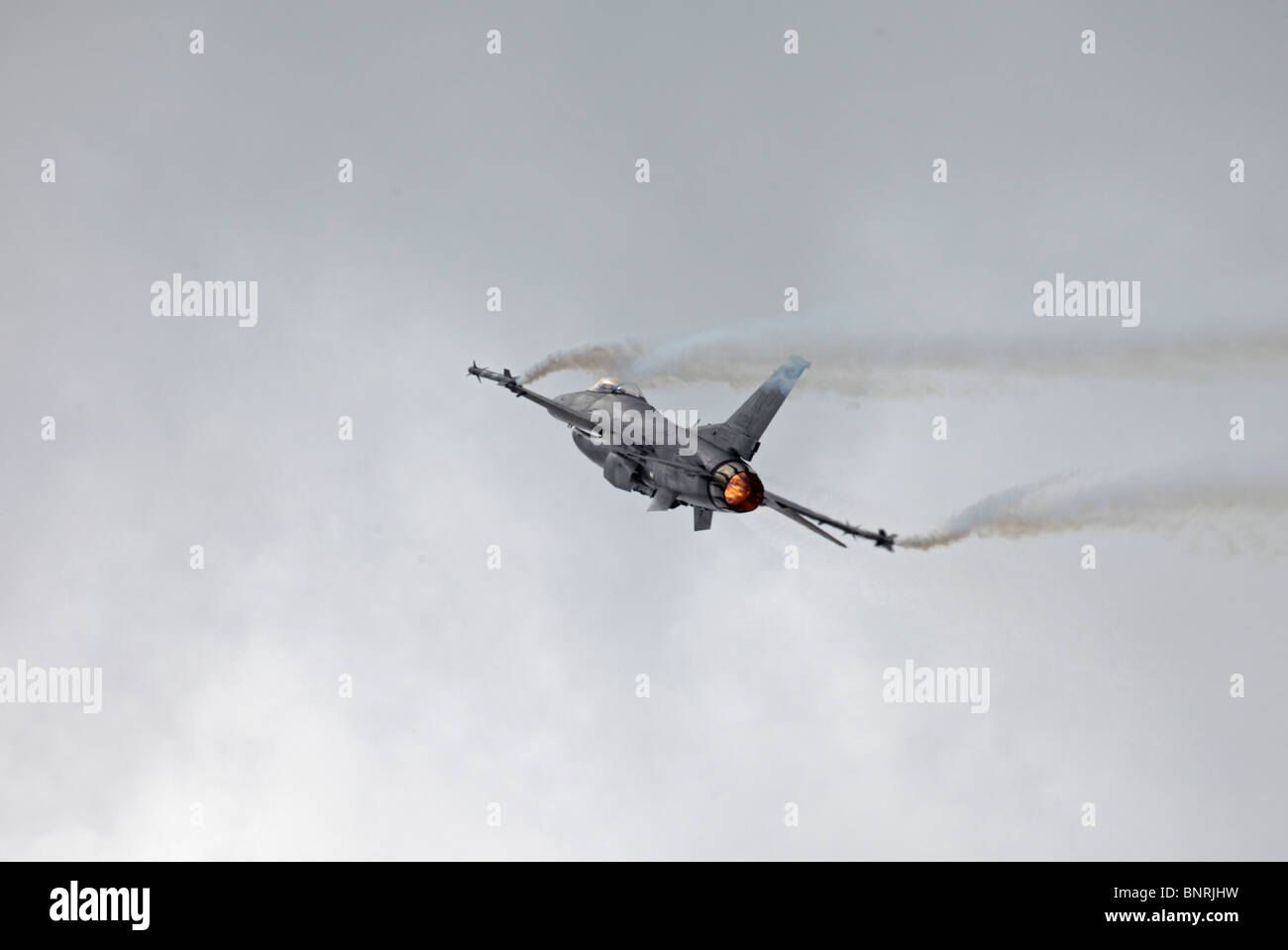 Farnborough Lockheed Martin F-16C Fighting Falcon re-chaleur Banque D'Images