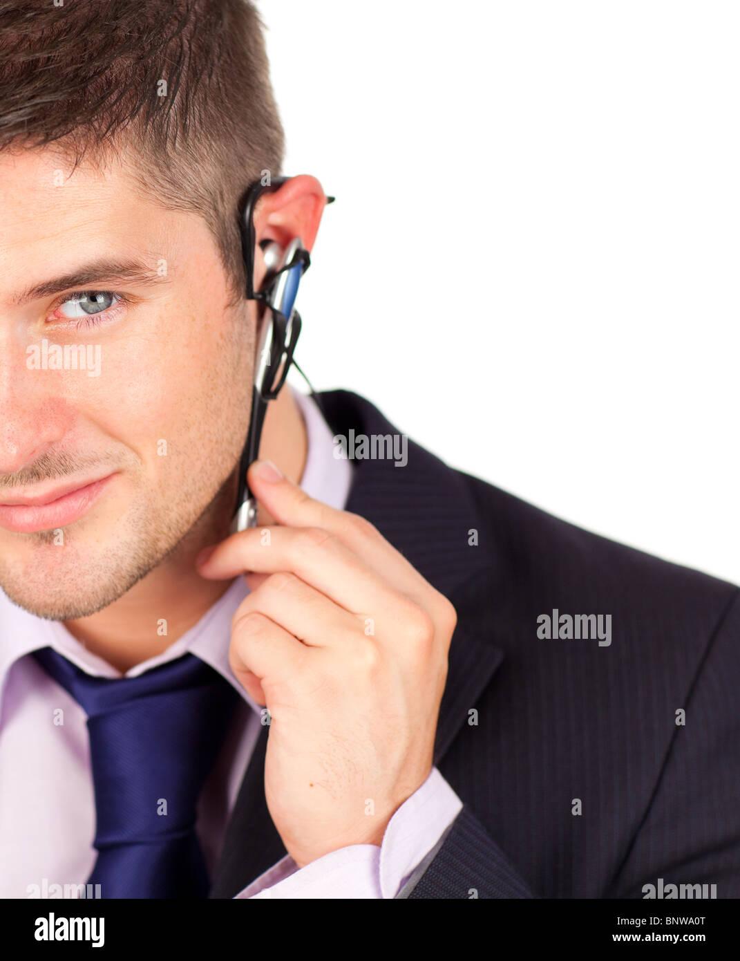 Sur l'homme regardant la caméra casque Banque D'Images
