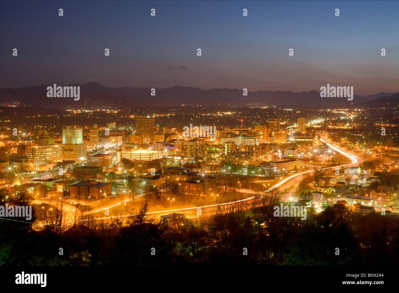 Sur les toits de la ville d'Asheville, en Caroline du Nord, niché dans les montagnes Blue Ridge Photo Stock