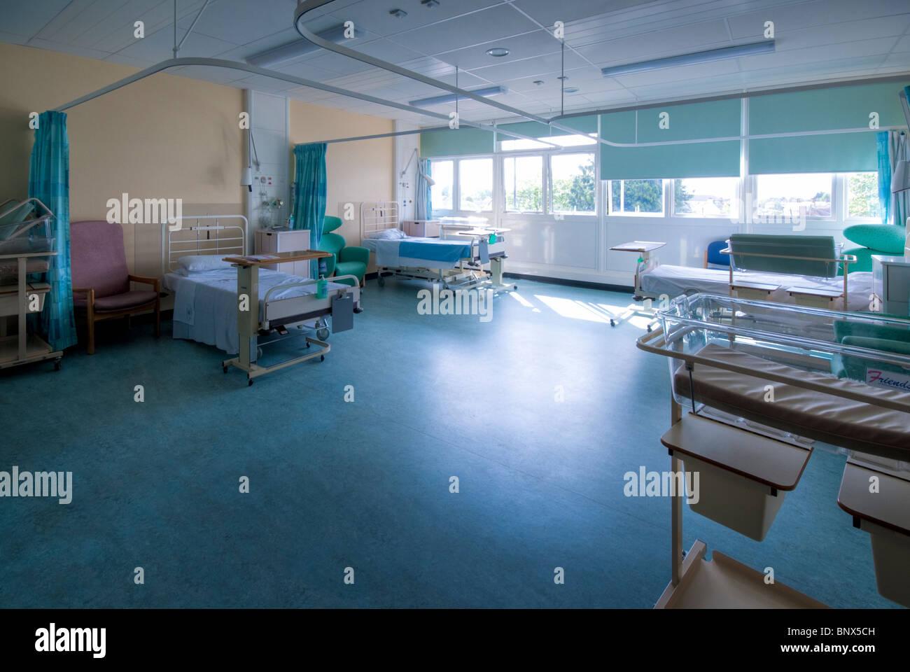 L'unité de maternité de l'hôpital de Chichester Tangmere Ward Photo Stock