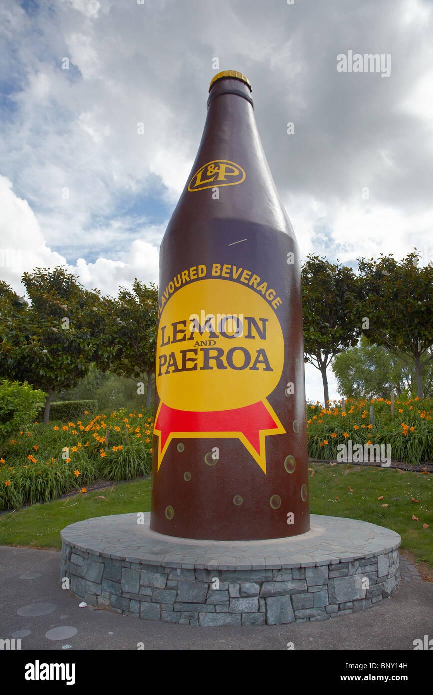 Citron géant et bouteille Paeroa, Paeroa, Waikato, Nouvelle-Zélande, île du Nord Photo Stock