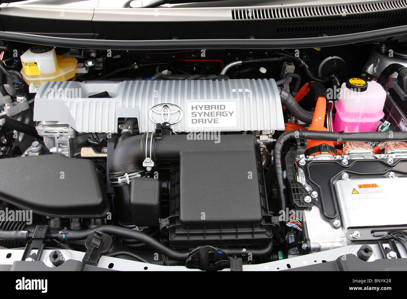 Un moteur hybride de Toyota. Photo Stock