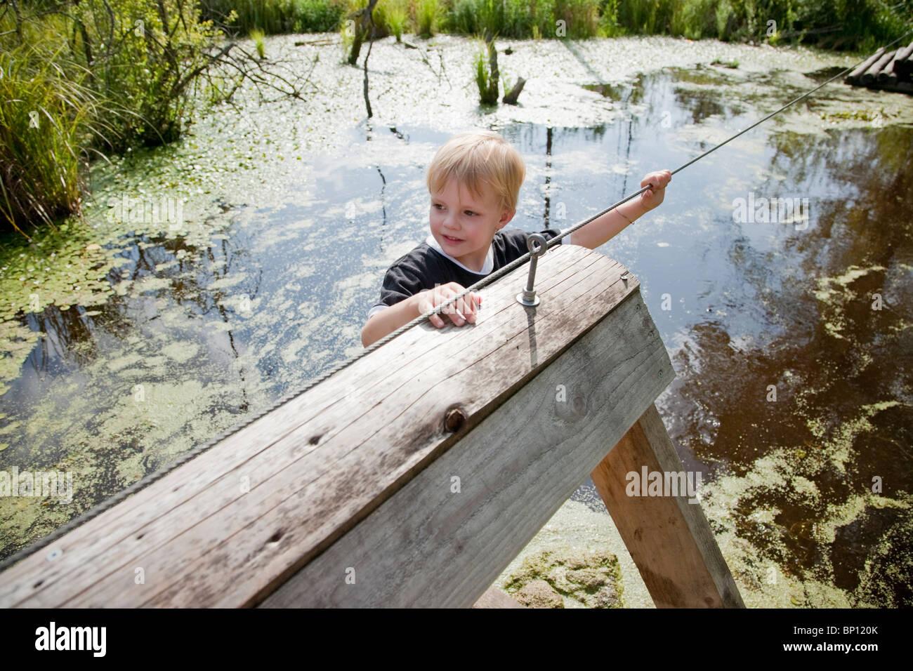 Garçon sur un flotteur Photo Stock