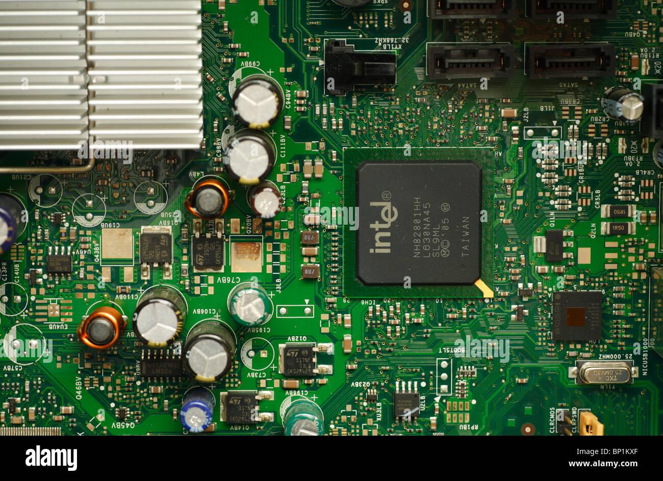 Carte circuits imprim s composants lectroniques l - Interieur d un ordinateur ...