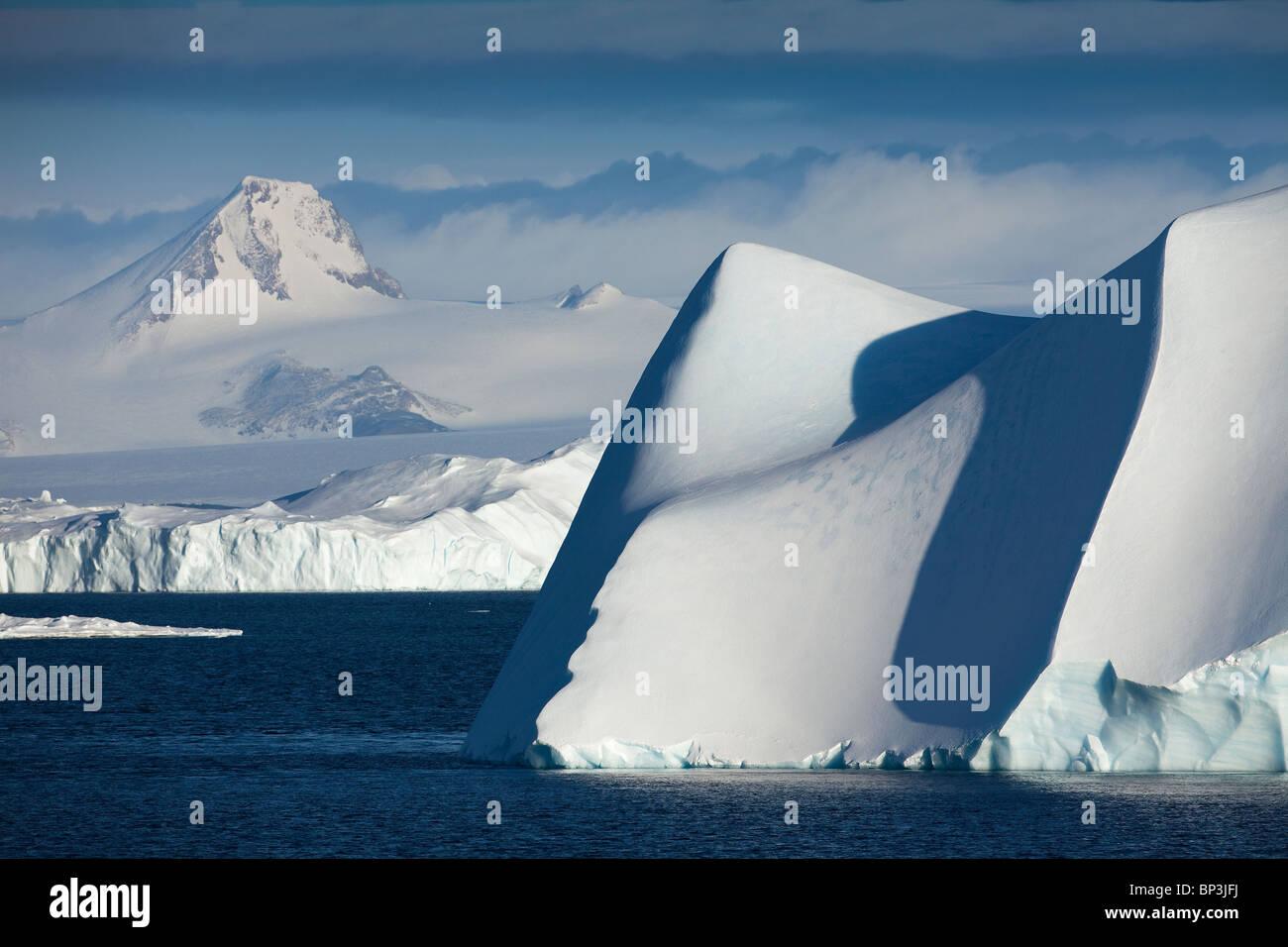 Les icebergs dans l'Antarctique à l'été Photo Stock