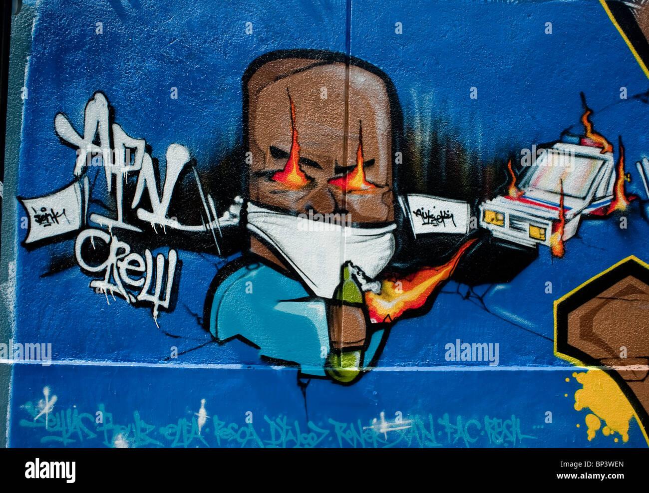 Paris, France, peinture mur avec des bombes de peinture, arts graphiques Graffiti 'Street Art' Photo Stock