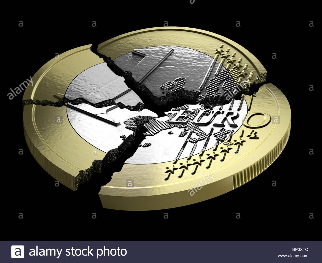 Une pièce de un euro cassé en plusieurs morceaux Photo Stock