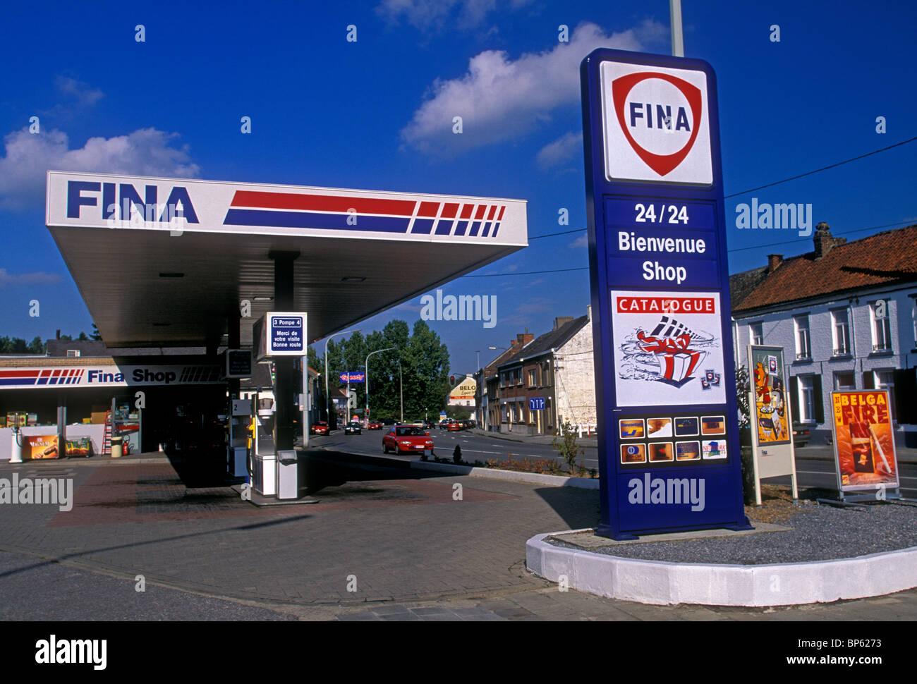 station d 39 essence fina ville de nimy r gion wallonne belgique europe banque d 39 images photo. Black Bedroom Furniture Sets. Home Design Ideas