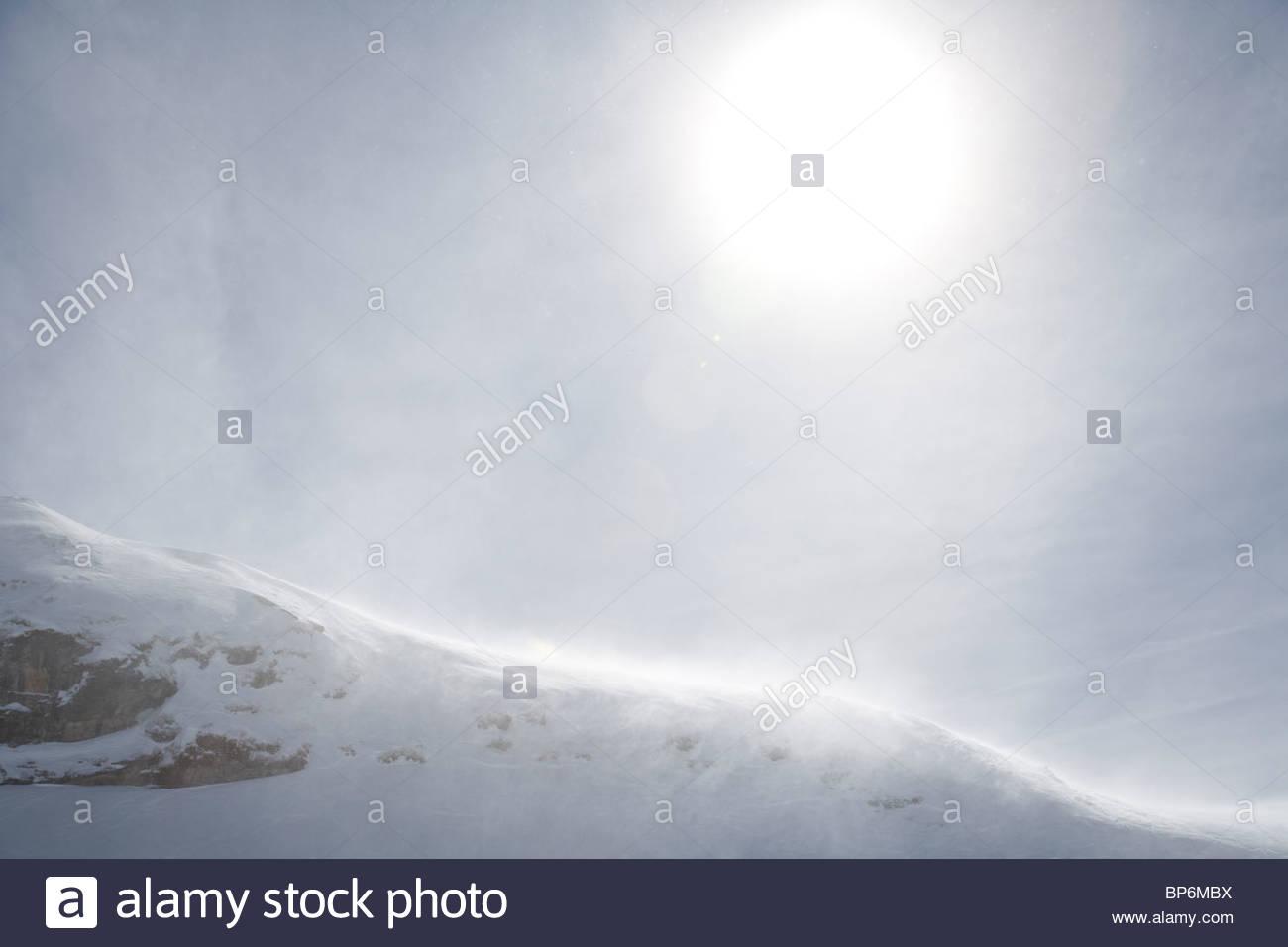 Lever de soleil sur montagnes enneigées dans Fimbatal, la frontière entre la Suisse et l'Autriche, Photo Stock