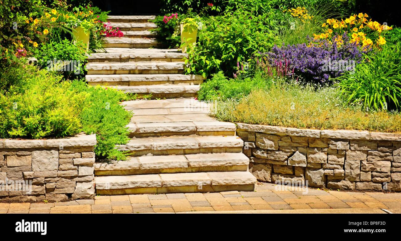 La pierre naturelle dans l\'aménagement paysager accueil jardin avec ...