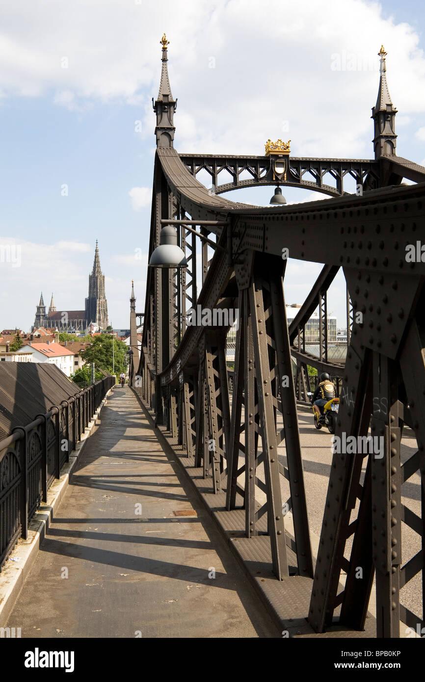 Ulm et le Neutorbruecke (Nouveau Gate Bridge) à Ulm, Allemagne. Banque D'Images