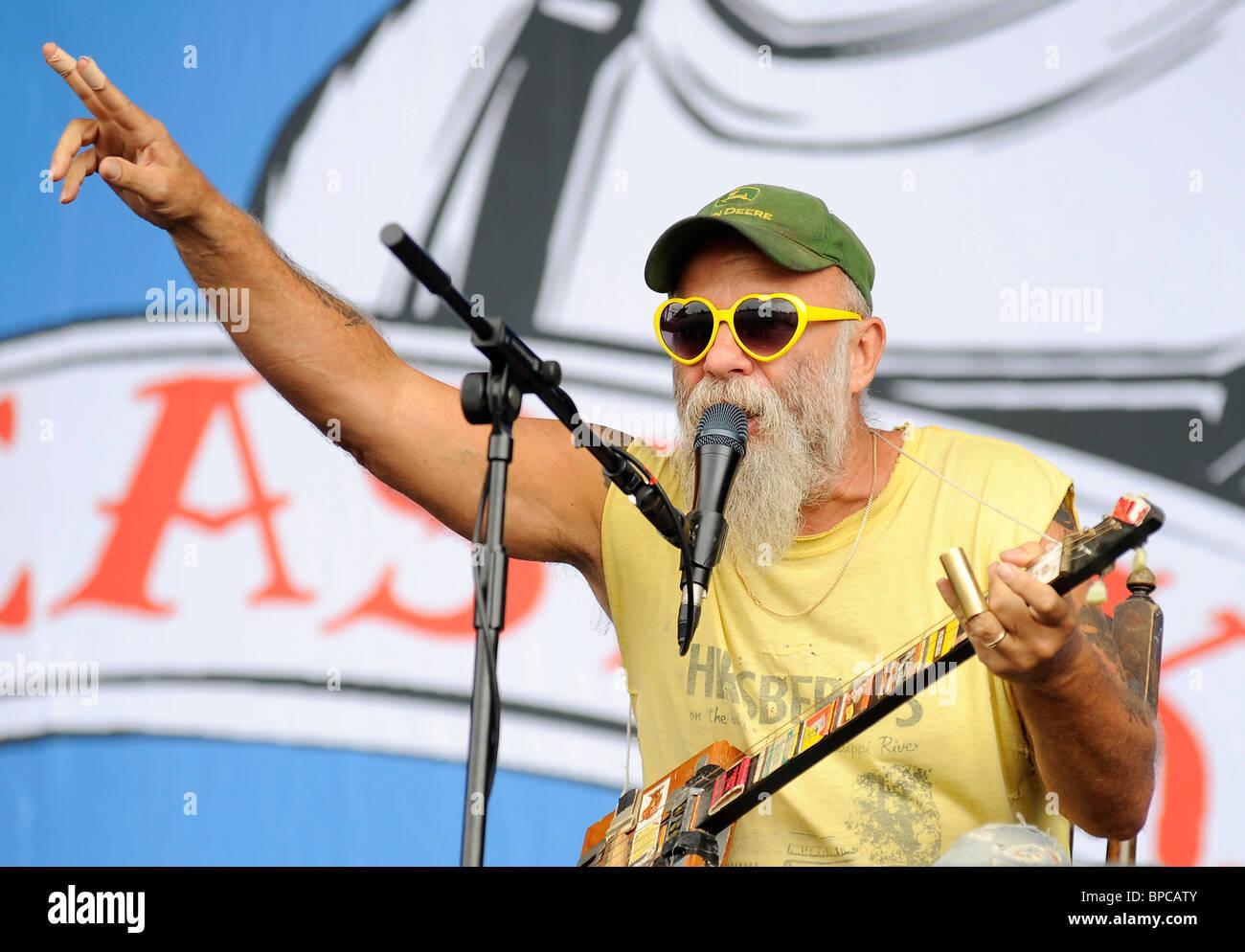 Seasick Steve performing live at V Festival 2010 Banque D'Images