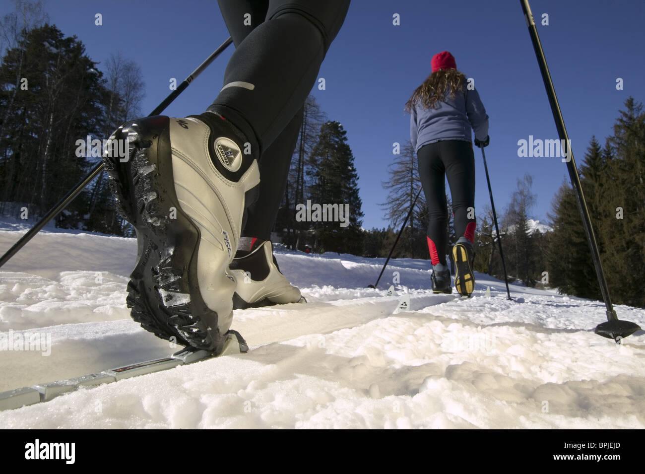 Les skieurs de fond, Close-up de chaussures et contraignant, Flims, Grisons, Suisse Banque D'Images