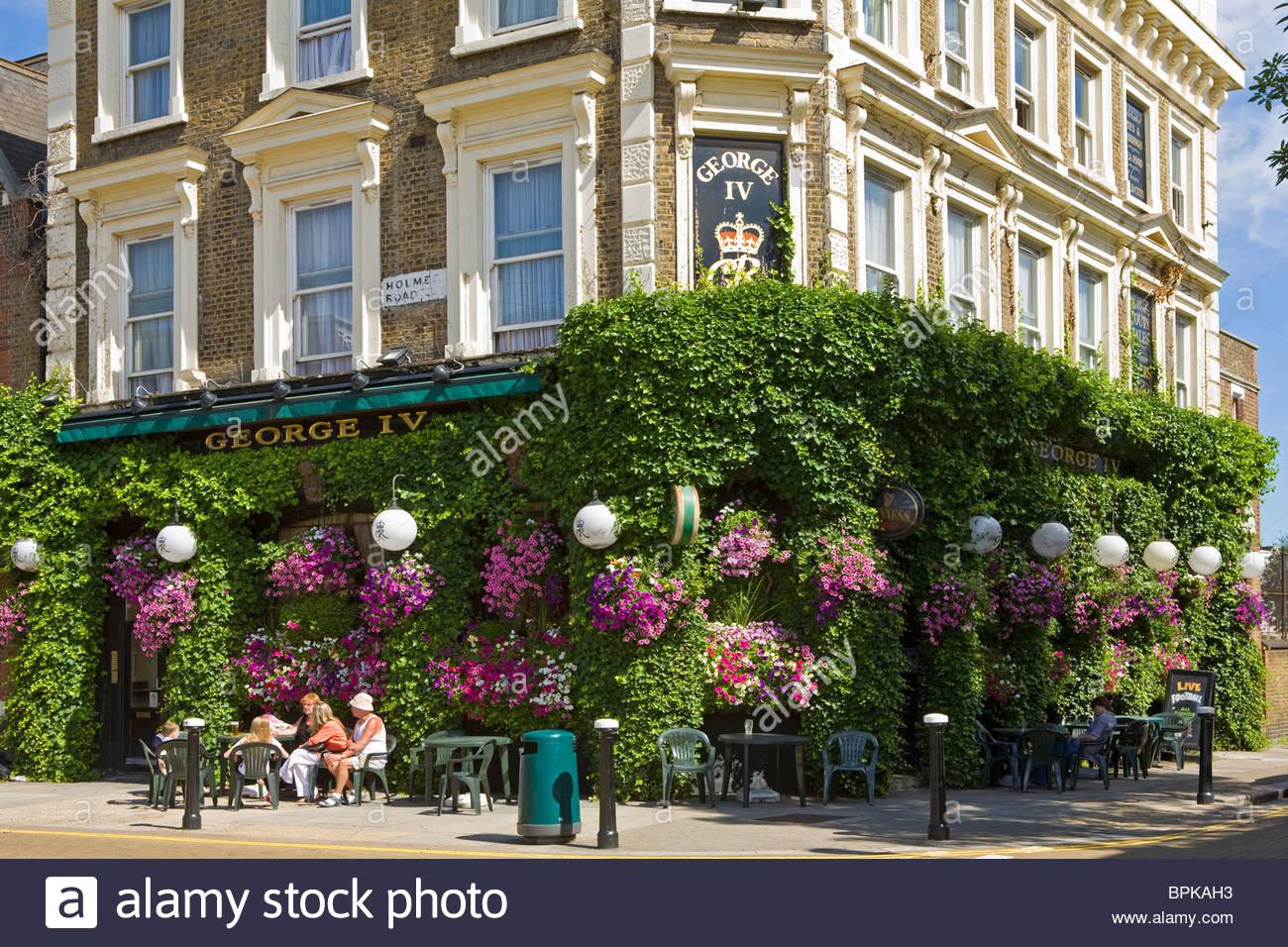 George IV Pub, 89 Holmes Road, Kentish Town, London NW5 3AU 18 JUILLET 2010 Photo Stock