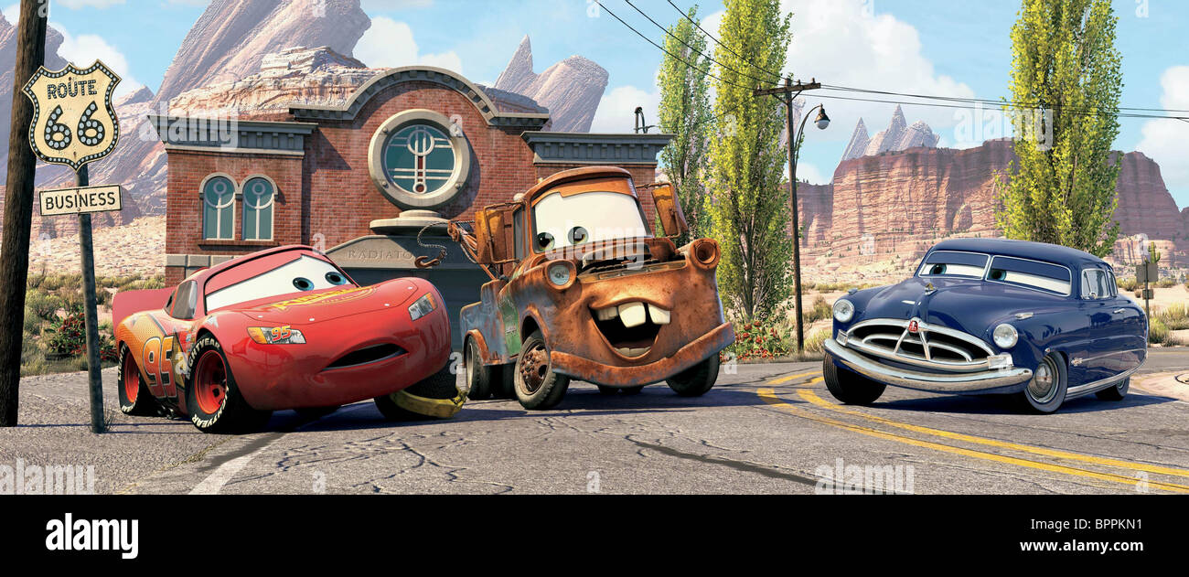 Lightning mcqueen mater remorquer tuck voitures doc hudson 2006 banque d 39 images photo stock - Voiture sally cars ...