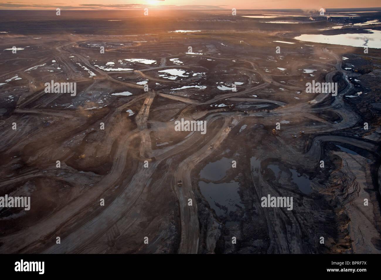 Vue aérienne de Suncor Millenium, au nord de Fort McMurray, Canada. Photo Stock