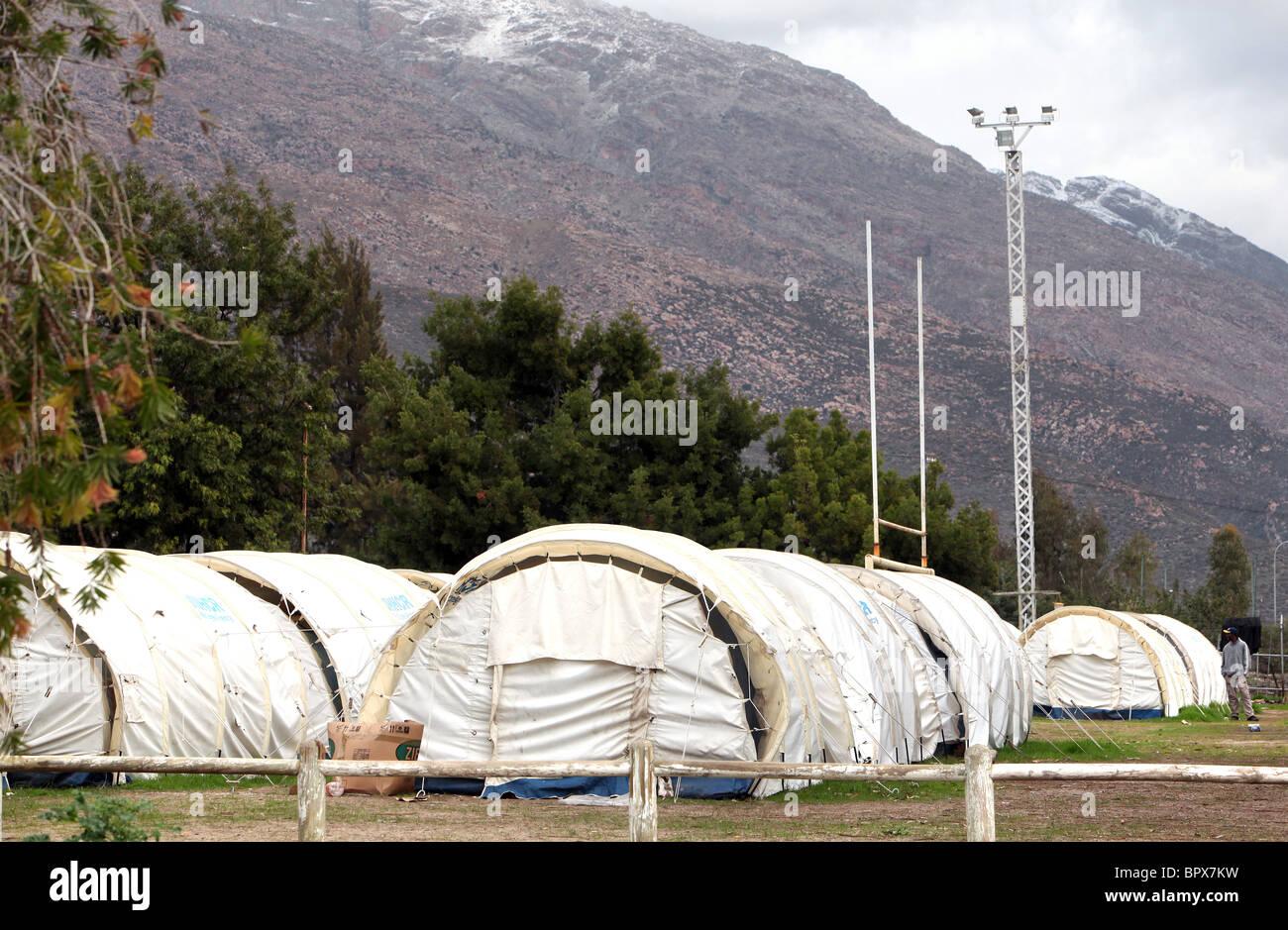 Afrique du Sud: les réfugiés du Zimbabwe sont encore logés dans des tentes au camp de réfugiés Photo Stock