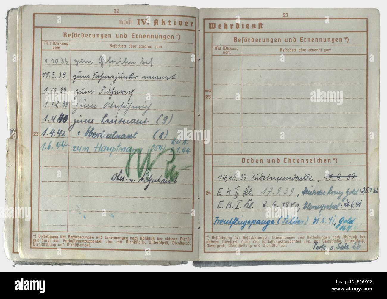 La Croix de chevalier de Hauptmann Alois Magg - un enregistrement de service (Wehrpass)., publié le 7 octobre Photo Stock