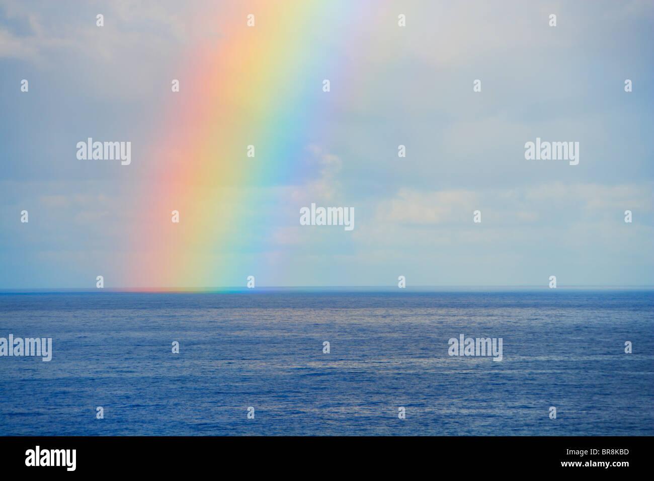Arc-en-Ciel sur mer, New York, USA Banque D'Images
