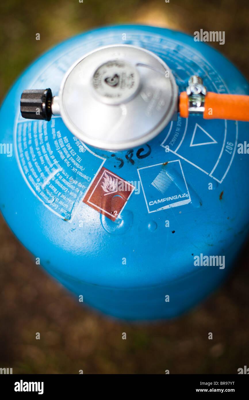 Le Gaz Butane pour le gaz butane cannister avec cuisinière attaché à un camping, uk