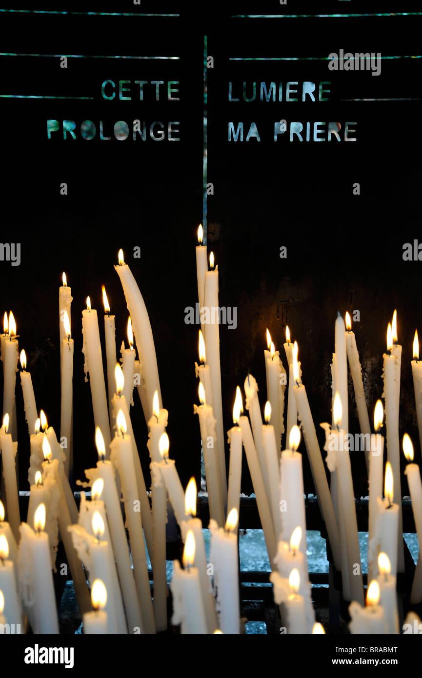 Bougies, Lourdes, Hautes Pyrénées, France, Europe Banque D'Images