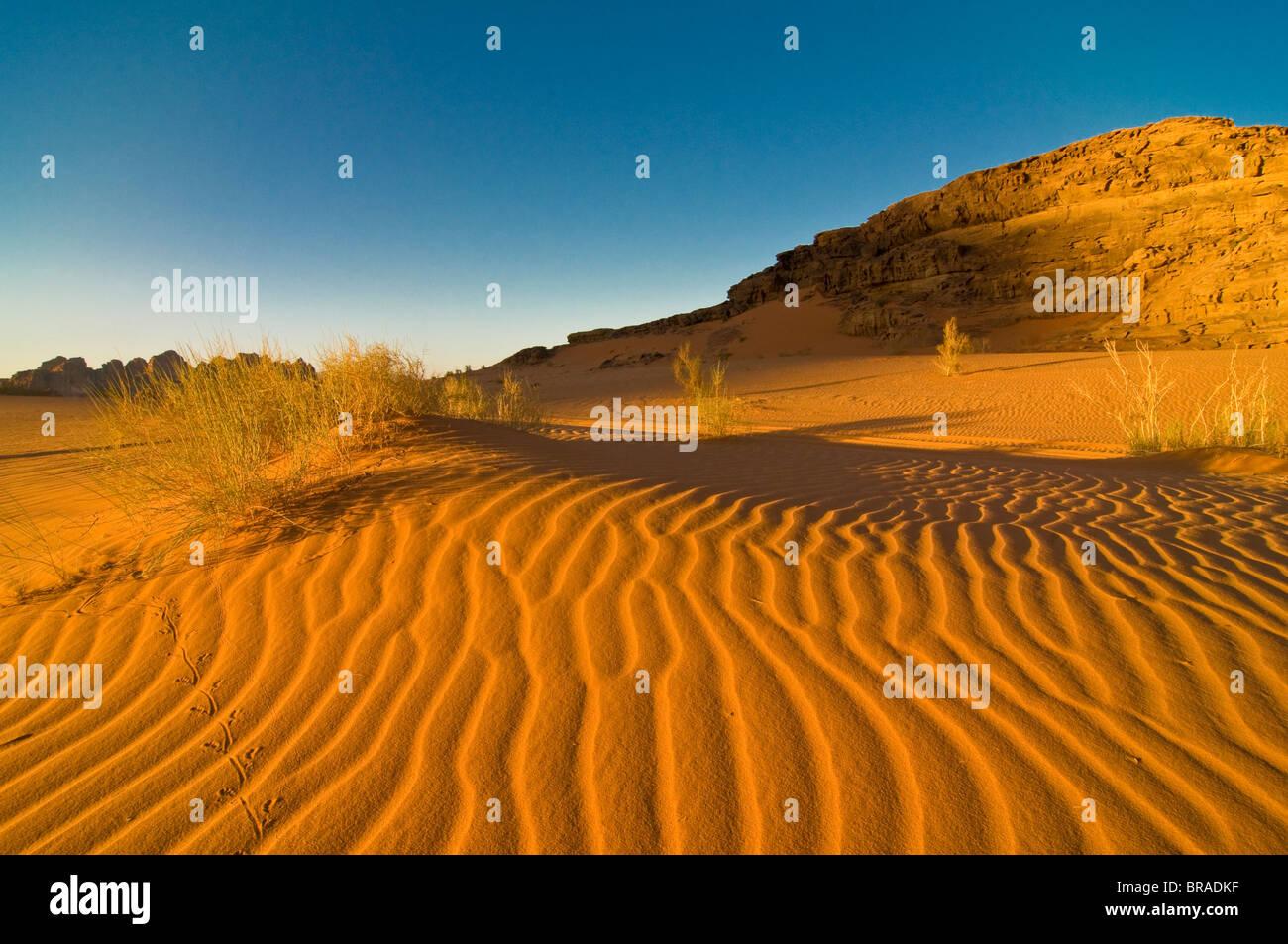 Les superbes paysages du désert de Wadi Rum, Jordanie, Moyen-Orient Banque D'Images