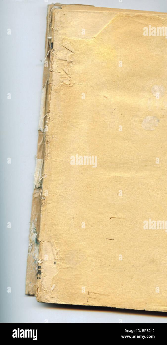 Un livre de poche sur fond blanc Photo Stock