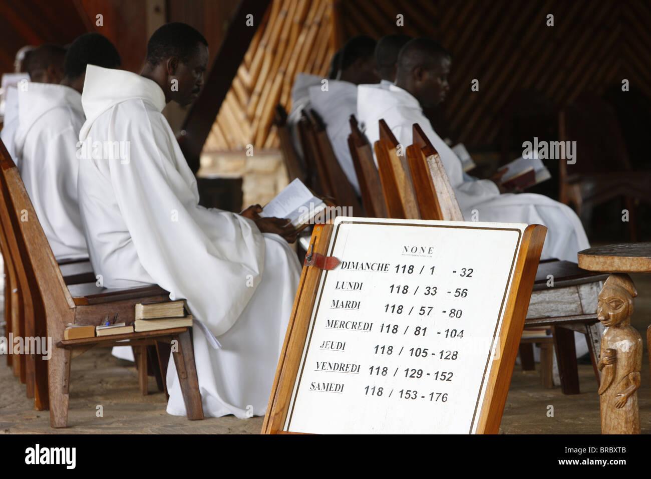 Messe à Dzogbegan Danyi Dzogbegan, Abbaye Bénédictine, Togo, Afrique de l'Ouest Photo Stock
