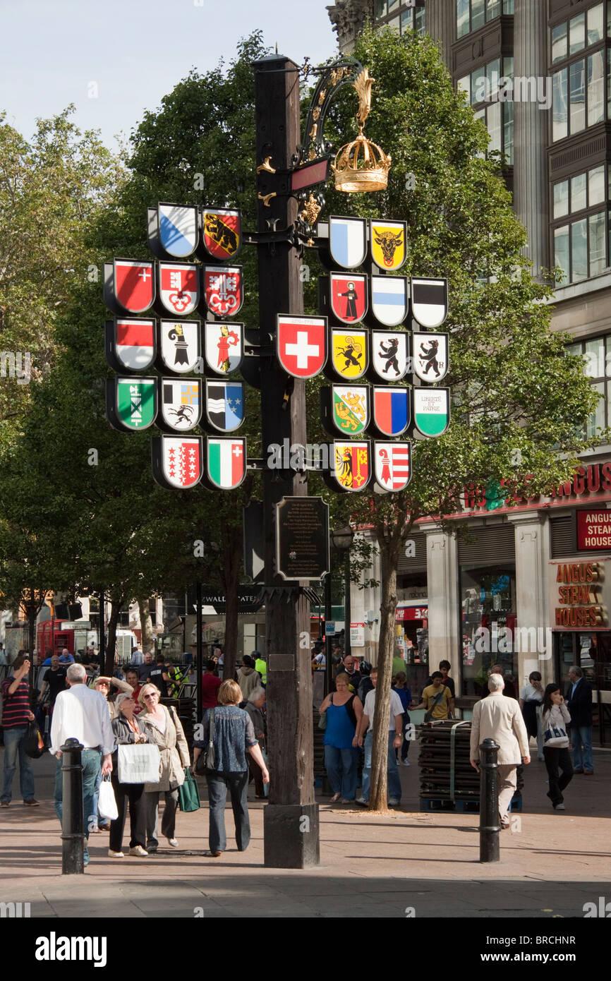 Canton suisse arbre, tribunal suisse, Leicester Square, London, England, UK Banque D'Images