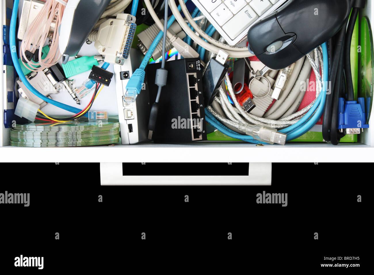Aperçu de l'intérieur l'ordinateur tiroir Stuff Photo Stock