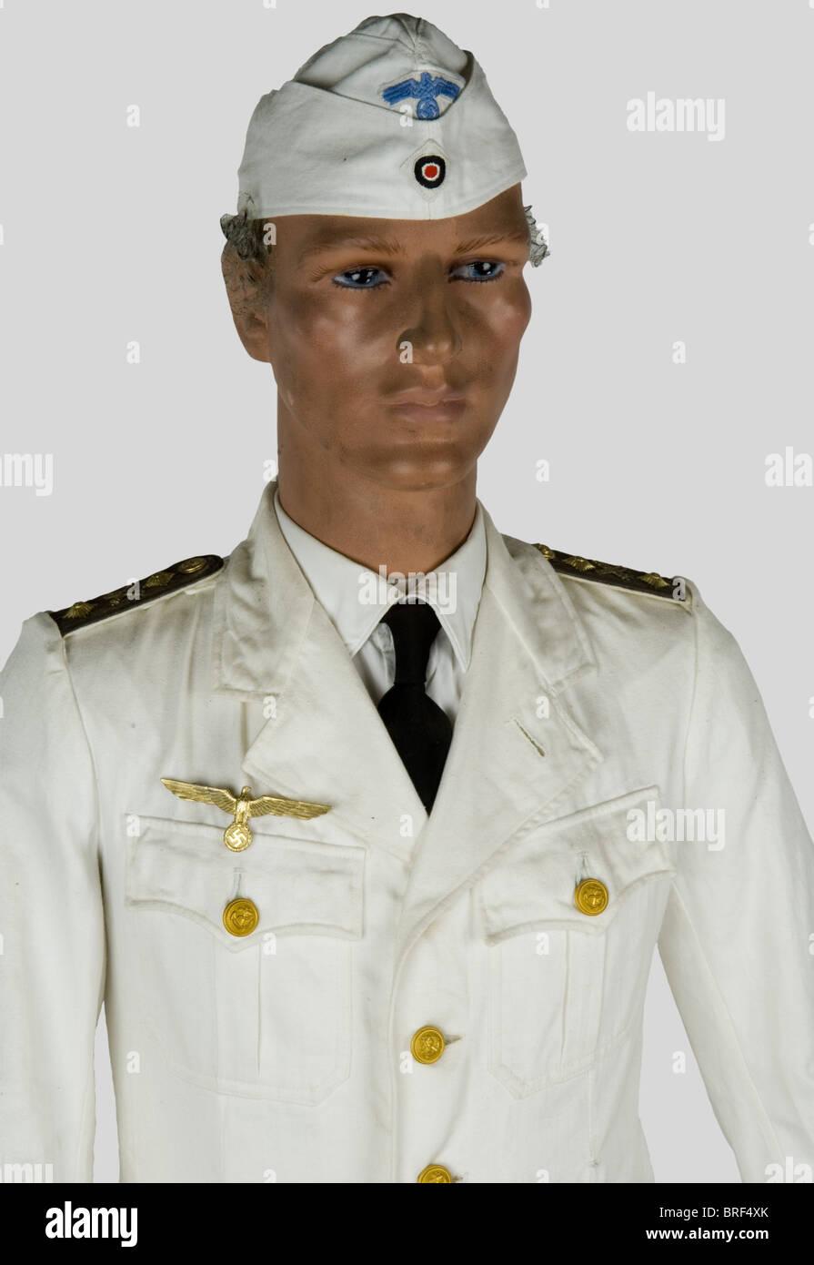 a5a1bf0064995b Kriegsmarine, Officier de marine en tenue d'été, sur le mannequin ...