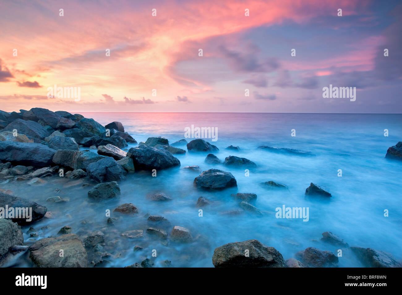 Coucher du soleil de la côte. Saint Thomas. Îles Vierges Américaines Photo Stock