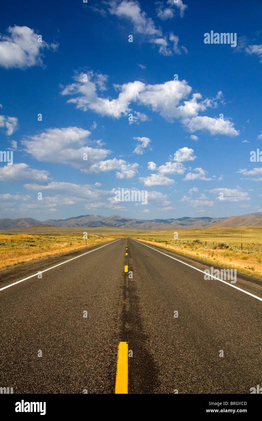 Nous joindre l'autoroute 20 près de Arco, Idaho, USA. Banque D'Images