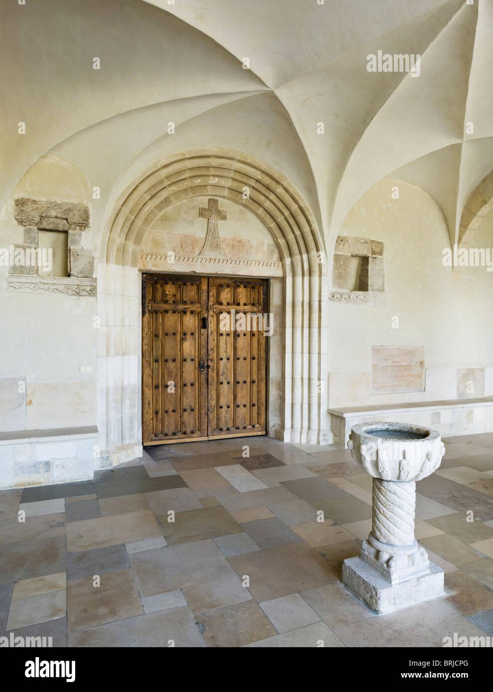 Entrée de l'église à l'Abbaye de St Remy (Rochefort). 1 de 6 brasseries Trappistes en Belgique Photo Stock