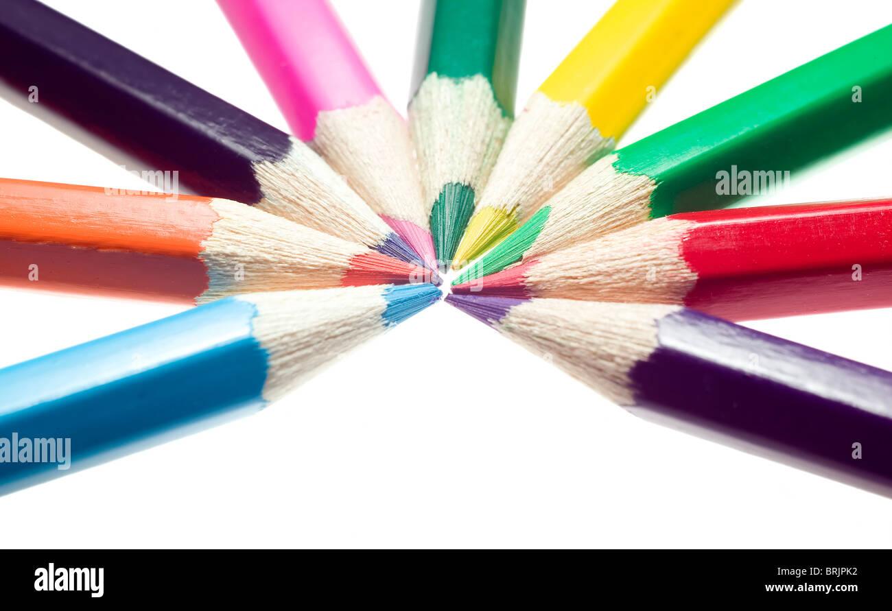 Beaucoup de crayons placés dans divers commande Photo Stock