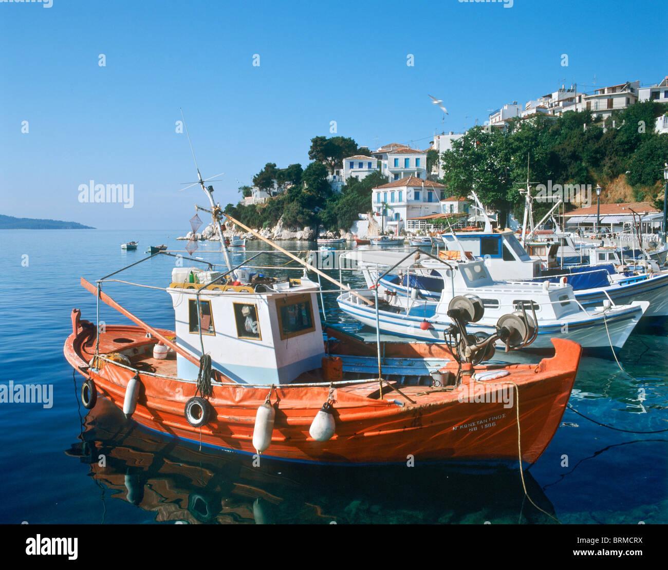 Harbour en début de matinée, Skiathos Town, Skiathos, Sporades, en Grèce Photo Stock