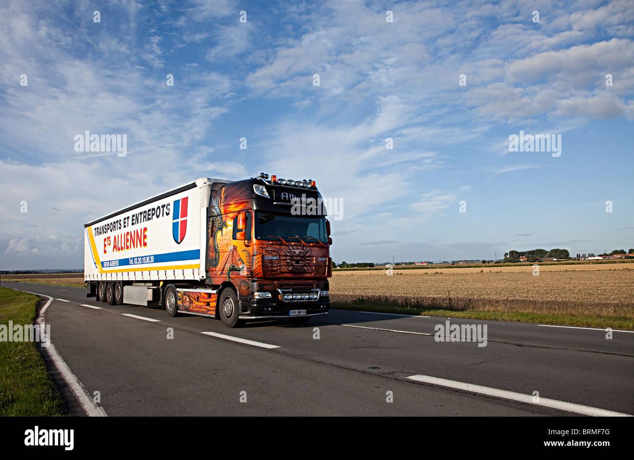 Camion de transport dans le nord de la France Photo Stock