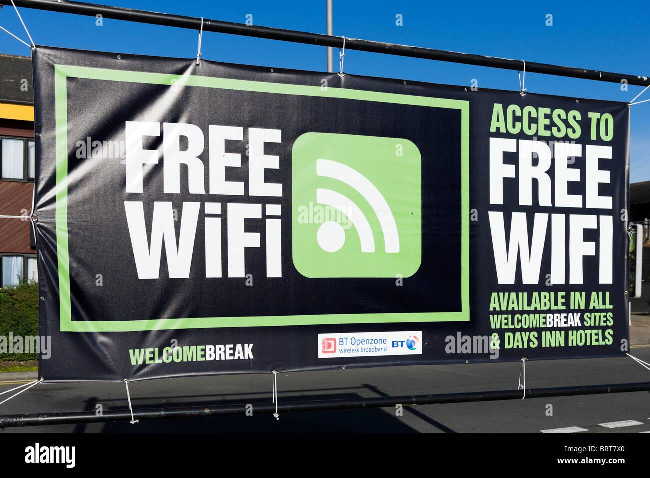 Connexion Wi-Fi gratuite signe en pause bienvenue Station d'Autoroute, Hartshead, M62, West Yorkshire, England, UK Banque D'Images